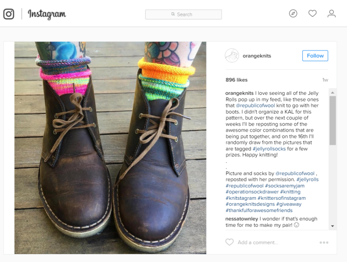 Desert boots wtih socks.png